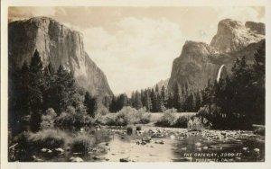 RP: YOSEMITE, California , 1920-30s ; The Gateway