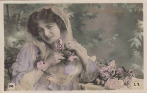 RP: Woman & roses , 1900-10s