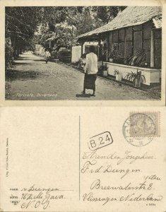 indonesia, MOLUCCAS MALUKU TERNATE, Bovenweg Street Scene (1926) Postcard