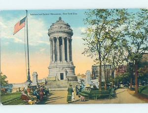 D-back USA FLAG & CROWD AT SOLDIERS AND SAILORS MONUMENT New York City NY F2385