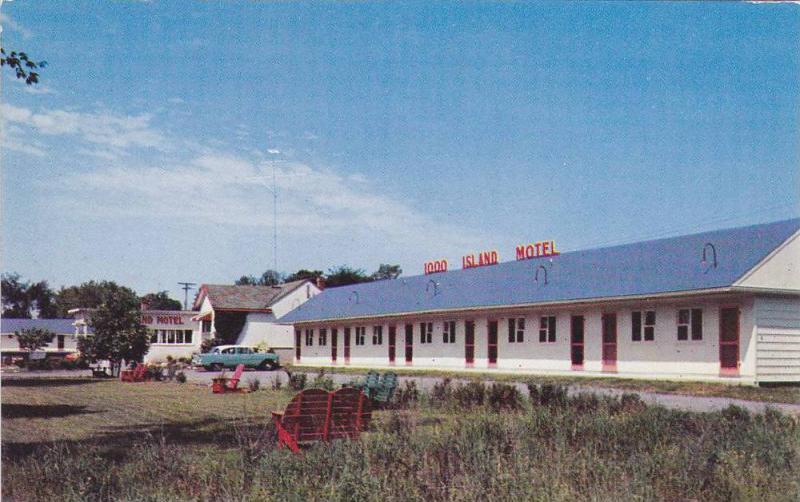 Exterior,  1000 Island Motel,  Gananoque,  Ontario,  Canada, 40-60s