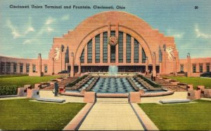 Ohio Cincinnati Union Terminal and Fountain