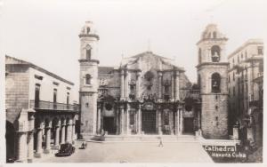RP: HAVANA , Cuba , 30-40s ; Cathedral