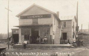 RP: NOVELTY , Ohio, 1913 ; V.A. Herrick Store