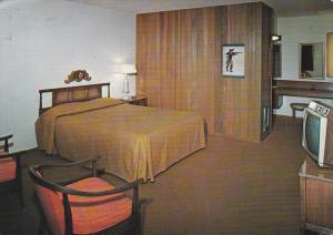 Interior View of Room, Lakewood Motor Inn, TACOMA, Washington, PU-1975