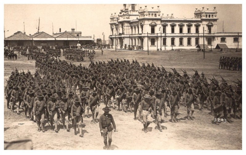 WW 1   Soldiers marching in formation