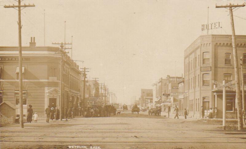 RP: Main Street , WEYBURN , Saskatchewan , Canada , PU-1911