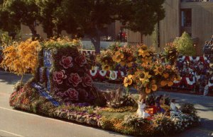 CA - Pasadena. Tourn. of Roses Parade, 1983 Float: Odd Fellows & Rebekahs