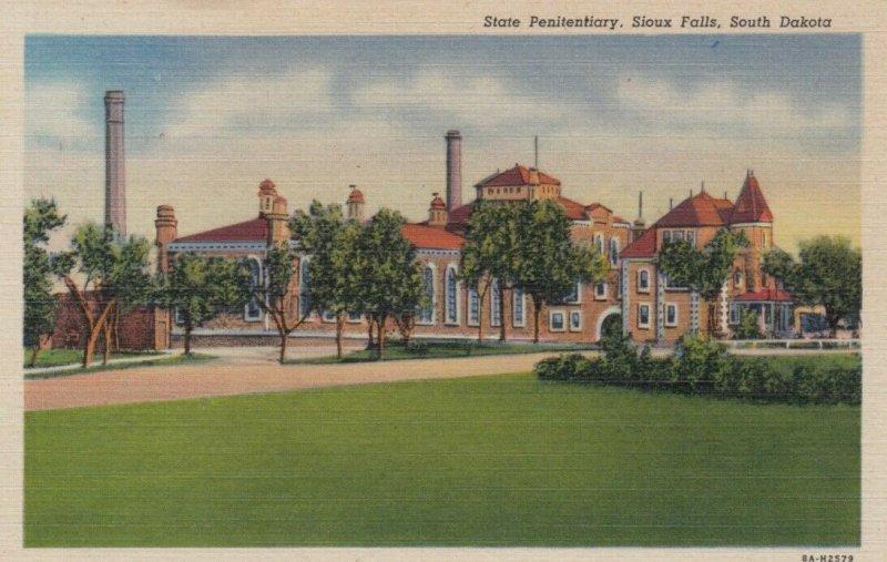SIOUX FALLS , South Dakota;  30-40s ; State Penitentiary