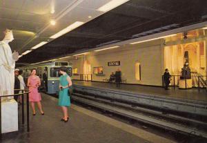 Louvre French Underground Train Transport Paris Station Postcard