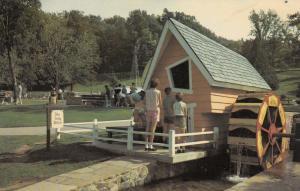 LONDON , Ontario , Canada , 40-60s ; House of Jolly Miller, Storybook Gardens