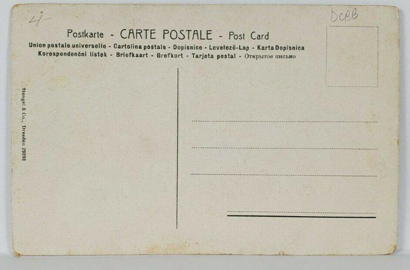 Mme Mole Raymond Beautiful Parisienne Woman Postcard R17