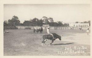 RP: DEL RIO , Texas, 1910-20s ; Rodeo , Bull Riding