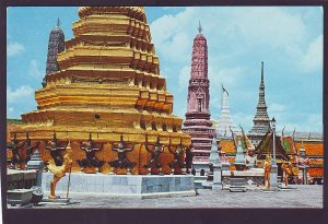 P1404 vintage postcard pagodas on the grounds of emerald budda temple thailand
