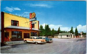 CHEMULT, Oregon  OR    Roadside  THE WHEEL CAFE  Cool 1950s Cars   Postcard*