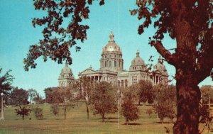 Des Moines, Iowa, IA, State Capitol, Unused Chrome Vintage Postcard g8300