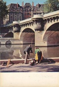 France Paris Un dimanche au Pont Neuf