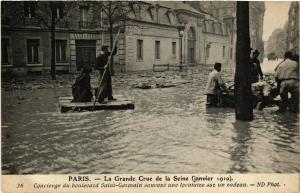 CPA La Grande Crue de la Seine. 36 Concierge du Bd Saint-Germain (561716)