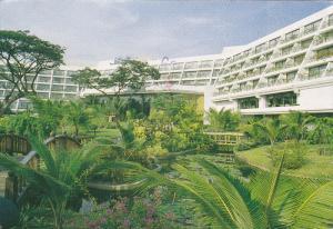 Hilton International Bangkok Hotel, Garden Area, BANGKOK, Thailand, 50-70's