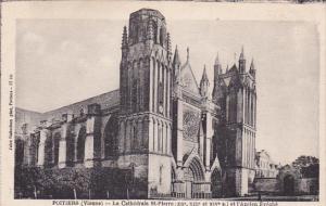 POITIERS, Vienne, France, 1900-1910's; La Cathedrale St. Pierre Et L'Ancien E...
