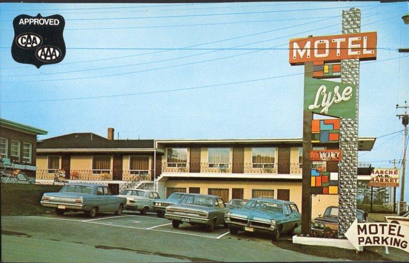 Quebec ~ RIMOUSKI Motel Lyse Enr., 545, Boul. St. Germain West cars 1950s-1970s