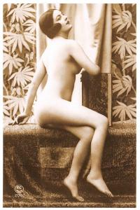 Postcard Risque Nude Topless Naked Lady Woman Erotic Erotism Repro Card 95G