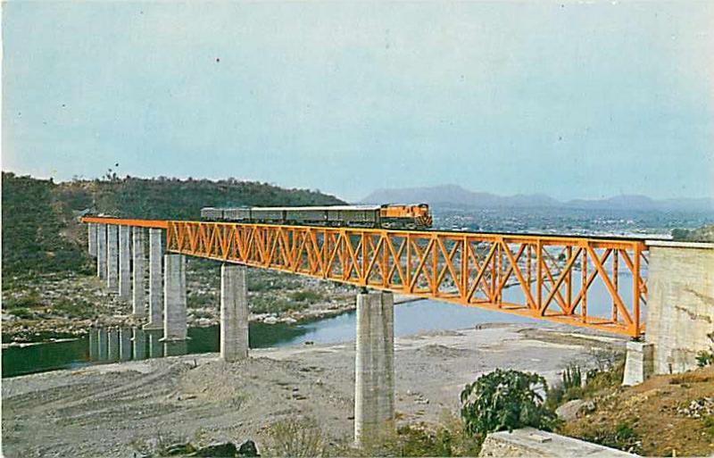 Bridge over Rio Fuerte Sinaioa, Ferrocqrril Chihuahua Al Pacifico Train