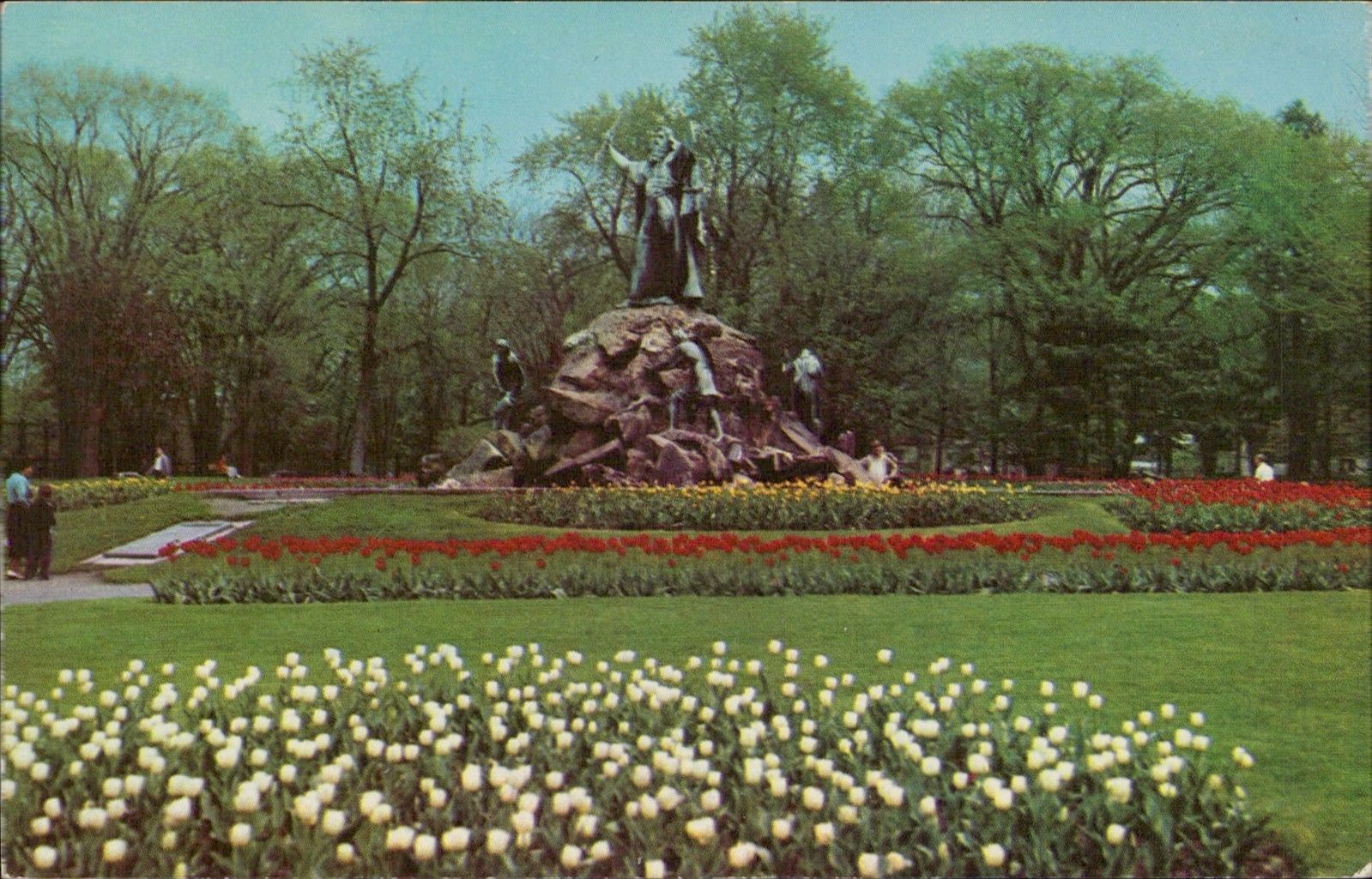 Tulip Festival in Washington Park Albany New York / HipPostcard