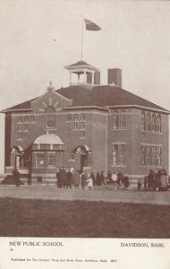 DAVIDSON , Sask., Canada, 00-10s ; New Public School
