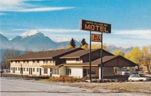 [BC] : Swiss Village Motel & RV Park , GOLDEN , B.C. , Canada,  50-60s
