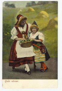 Two Girls, Goda vanner, Pre-1905