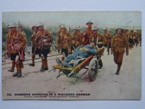 Scotland Military WW1 GORDONS AND A WOUNDED GERMAN Daily Mail War Pic Postcard