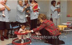Hyattsville, Maryland, USA Postcard First Lady, Nancy Reagan
