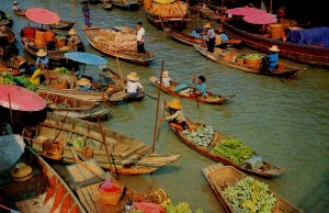 Thailand - Dhonburi. Wad Sai Floating Market
