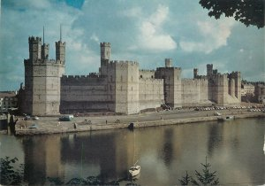 England Postcard Caernarfon castle Eagle Queen's and Black Towers
