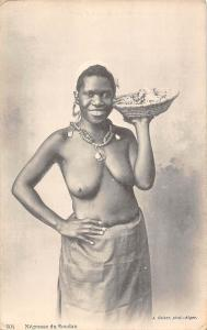 Sudan, Artistic Sudanese Black Native Woman, Negresse du Soudan, basket, plate