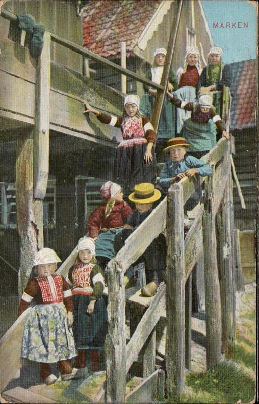 MARKEN Dutch children native typical costumes