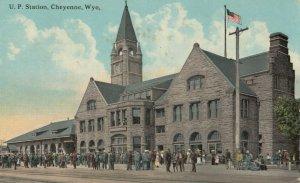 CHEYENNE , Wyo. , 1915 ; U.P. Railroad Train Station