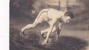 RP: OSCAOLA , Iowa , PU 1910 , Sprinter posed in start pose