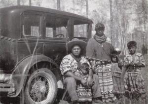 Vintage Reproduction Postcard, c1933 Seminole Indian Family, Florida, USA 19R