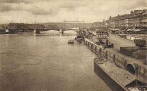 CPA ROUEN - Le Quai de PARIS et la Pont Transbordeur (201489)