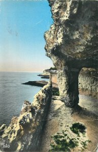 France Postcard Mescheres les Bains Cave great view
