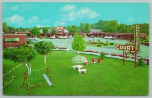 Bowling Green Kentucky~Colletdale Court Hotel~Vintage Postcard