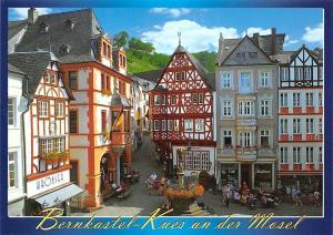 Bernkastel-Kues an der Mosel Marktplatz, Malerischer Weinort an der Mosel Shops