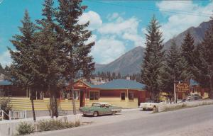 Valley View Motel Ltd., One and one half miles from Radium Hot Springs swimmi...