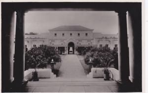 RP: Victoria Falls Hotel , Courtyard , Rhodesia , 30-40s