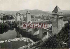 Postcard Modern Cahors The Valentre Bridge and Lot