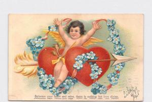 ANTIQUE POSTCARD VALENTINE CUPID SITTING BETWEEN TWO HEARTS ARROW FLOWER GARLAND