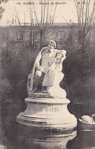 France Nimes Statue de Daudet