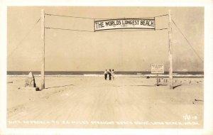RPPC Auto Approach LONG BEACH, WA World's Longest Beach c1940s Vintage Postcard
